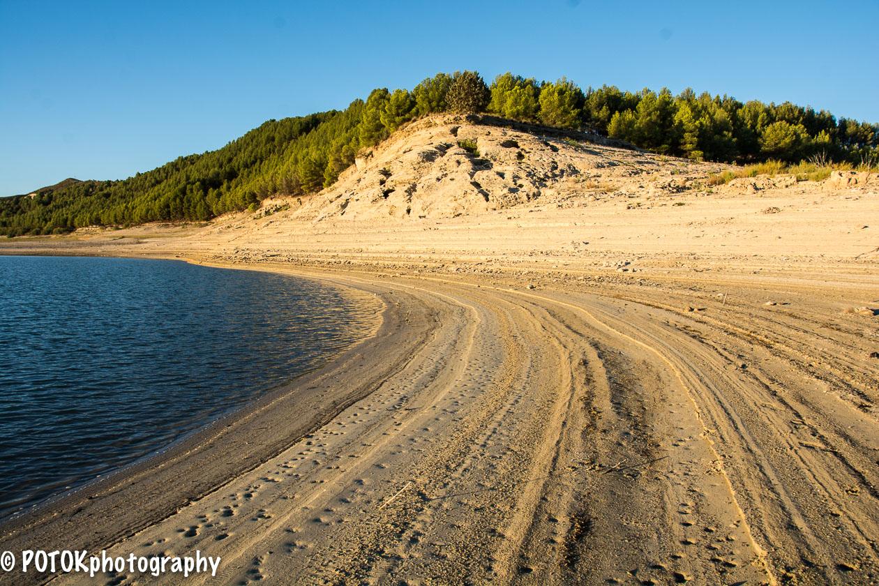 Almost-dried-lake-1431.JPG