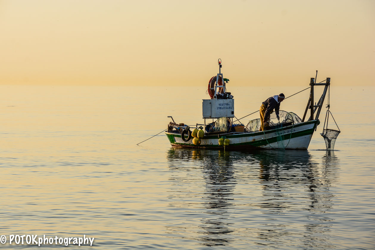 Fishing-at-Rincon-de-la-Victoria-1723.JPG