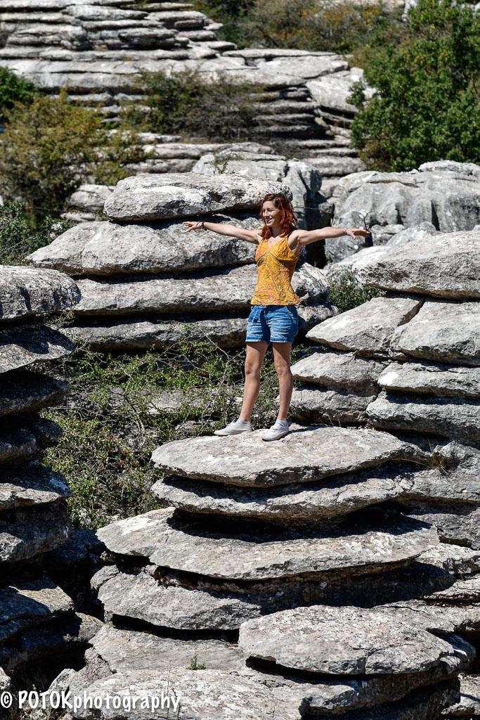 Girl-on-the-rocks-0775.JPG
